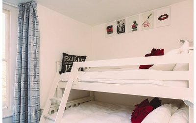 What is a triple bunkbed?